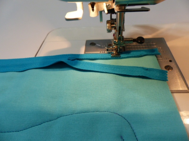Turn bag to move zipper pull